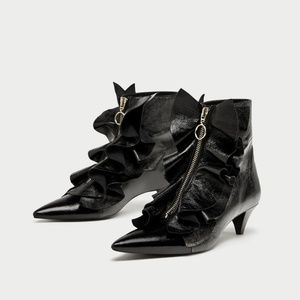 NWT Zara Size 5 Ruffled Leather Ankle Boots